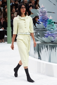 chanel-spring-summer-2015-haute-couture-look-05